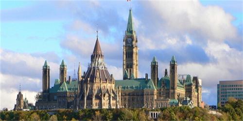 加拿大留学比美国留学好在何处 - 留学热点 - 艺